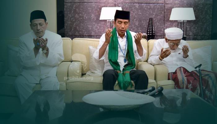 Kyai Maimoen Kasih Sorban Hijau ke Jokowi, Habib Luthfi Kasih Tasbih Biru