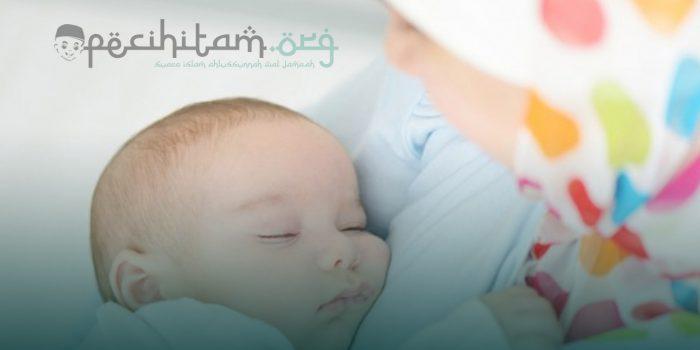 Hukum Menyusui Anak dan Konsekwensi Bagi Ibu yang Lalai Menyusui Anaknya