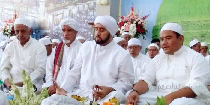 Kewajiban Menghormati Ahlul Bait dalam Al-Quran