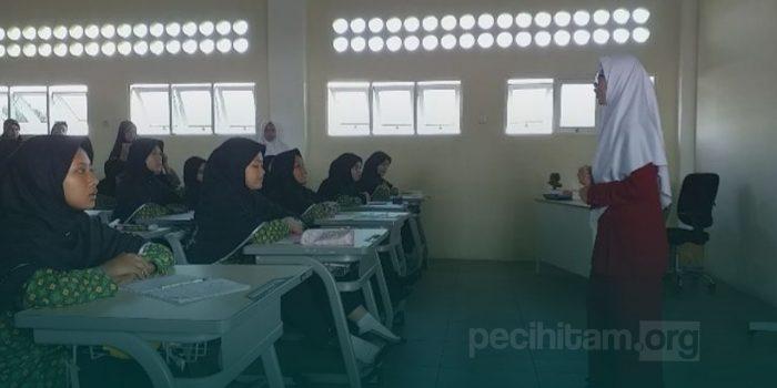 Amaliyah al-Tadris; Metode Belajar Kritik di Pesantren, Menjadi Pendidik Profesional