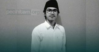 Peci Hitam; Potret Kesalehan dan Kebudayaan Muslim Indonesia