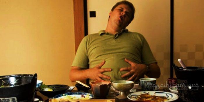 Makan Terlalu Kenyang