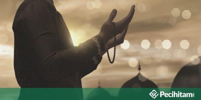 Apakah Berdoa Keselamatan Termasuk Sikap Menentang Qadha? Begini Penjelasannya